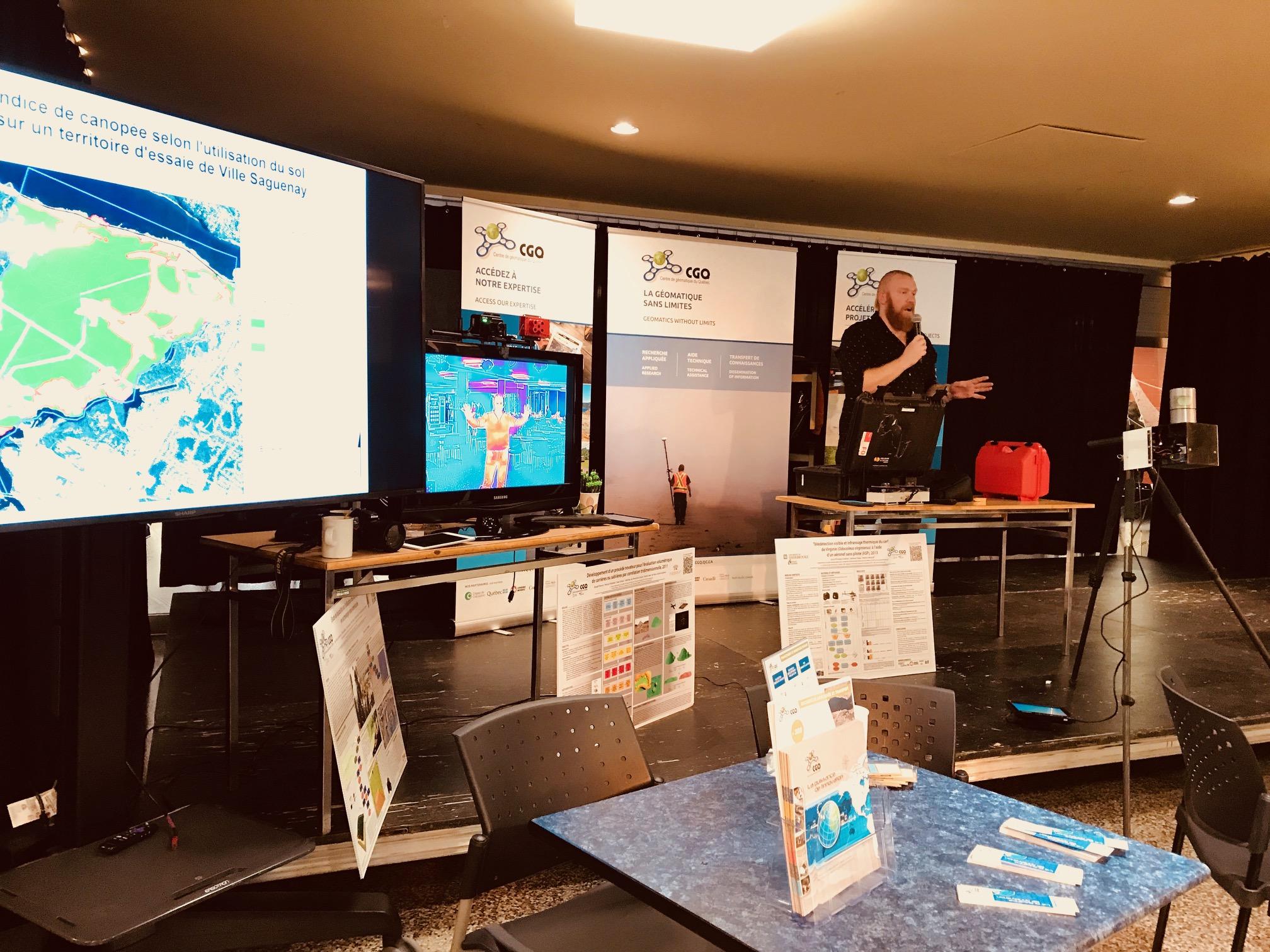 Le Centre de géomatique du Québec (CGQ) a tenu le 21 novembre sa Journée de la géomatique 2018 à la Place publique du Cégep de Chicoutimi.
