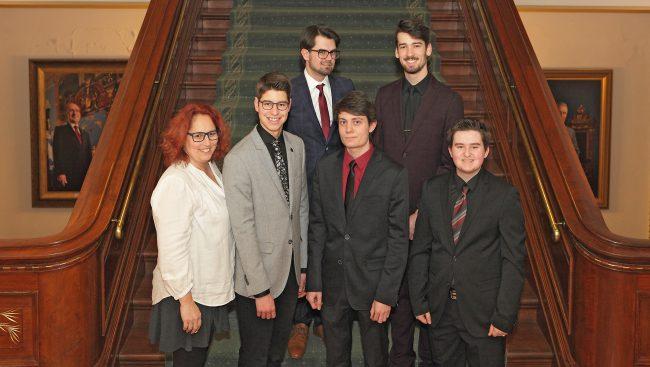 Des étudiants du Cégep de Chicoutimi ont pris part récemment à la 28e législature du Forum étudiant, une simulation parlementaire à l'Assemblée nationale qui s'est déroulée à l'hôtel du Parlement de Québec.