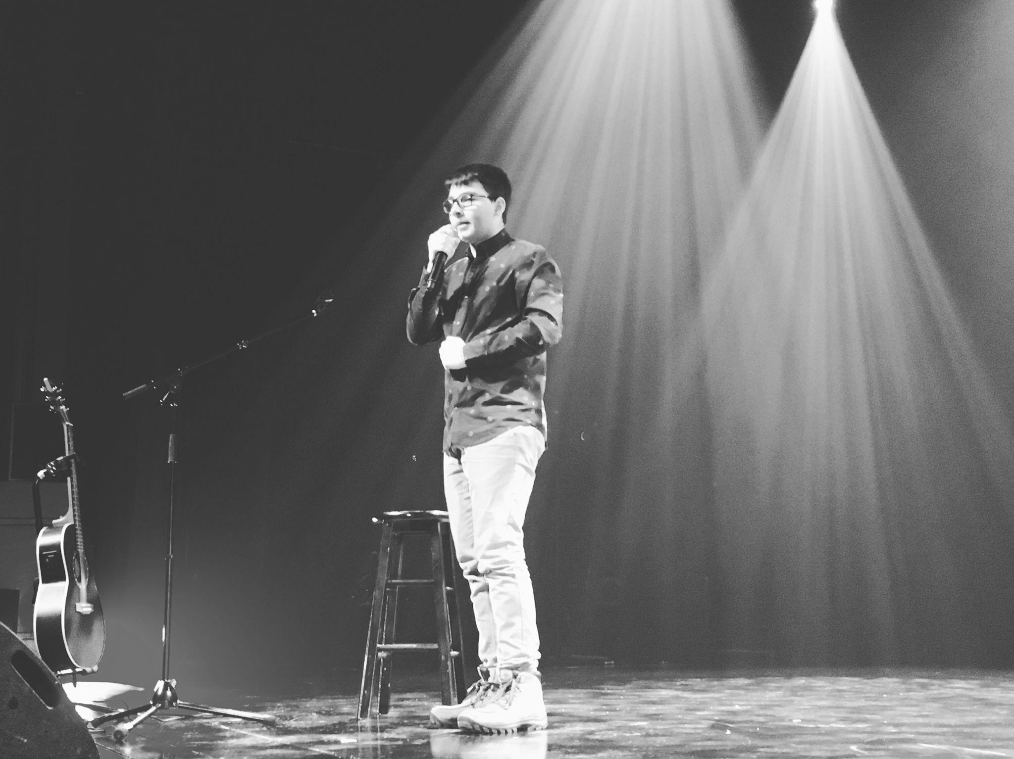 L'humoriste Simon Desbiens représentera le Cégep de Chicoutimi à la Finale régionale de Cégeps en spectacle à Rimouski en mars.