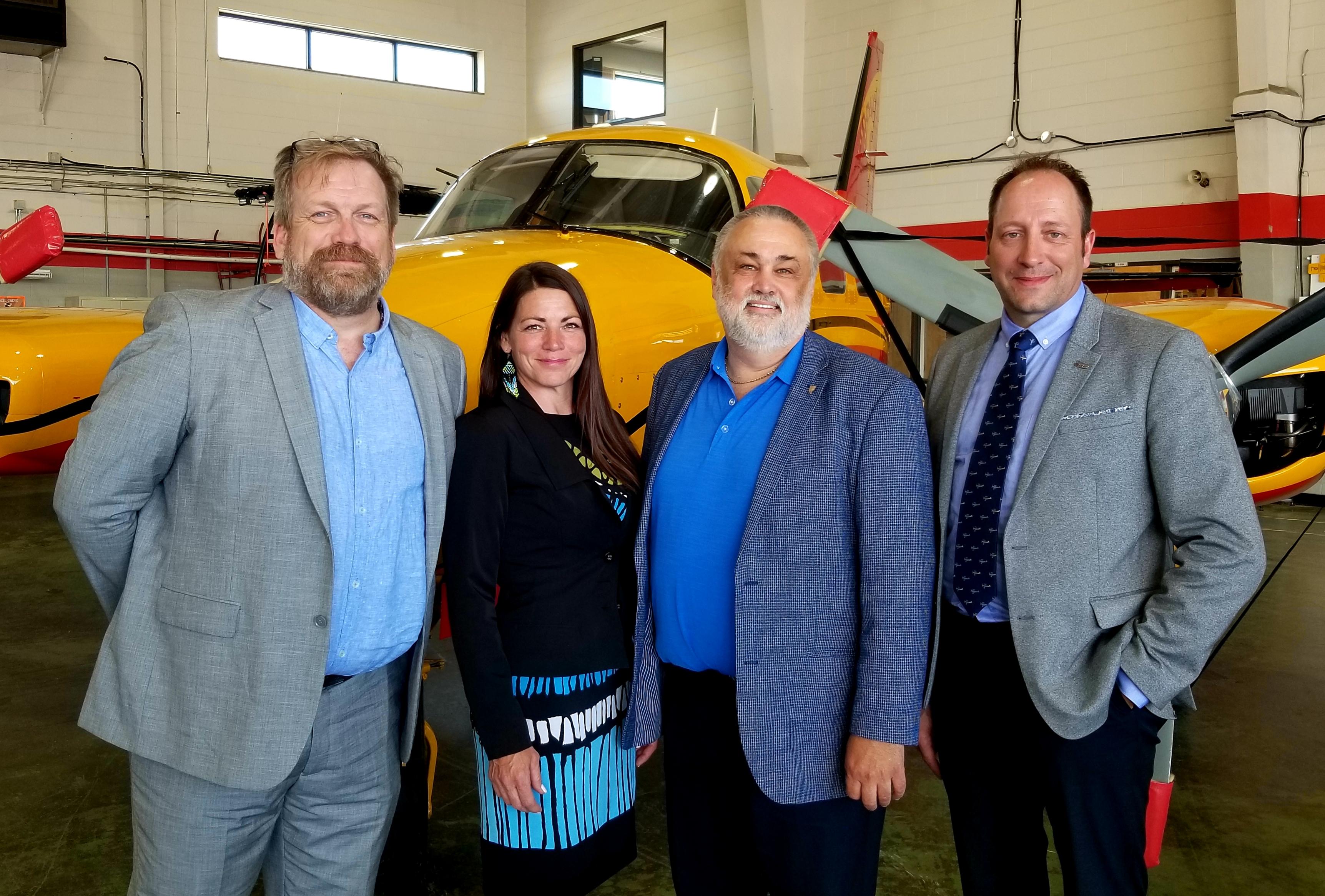 Des représentants du Cégep de Chicoutimi, du CQFA et du Cégep de l'Abitibi-Témiscamingue ont annoncé la création d'une nouvelle AEC pour former les pilotes d'aéronefs majoritairement autochtones.