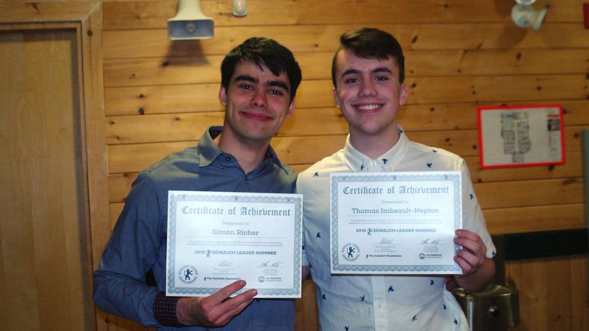 Photo portrait des deux étudiants Thomas Imbeault-Nepton et Simon Richer.