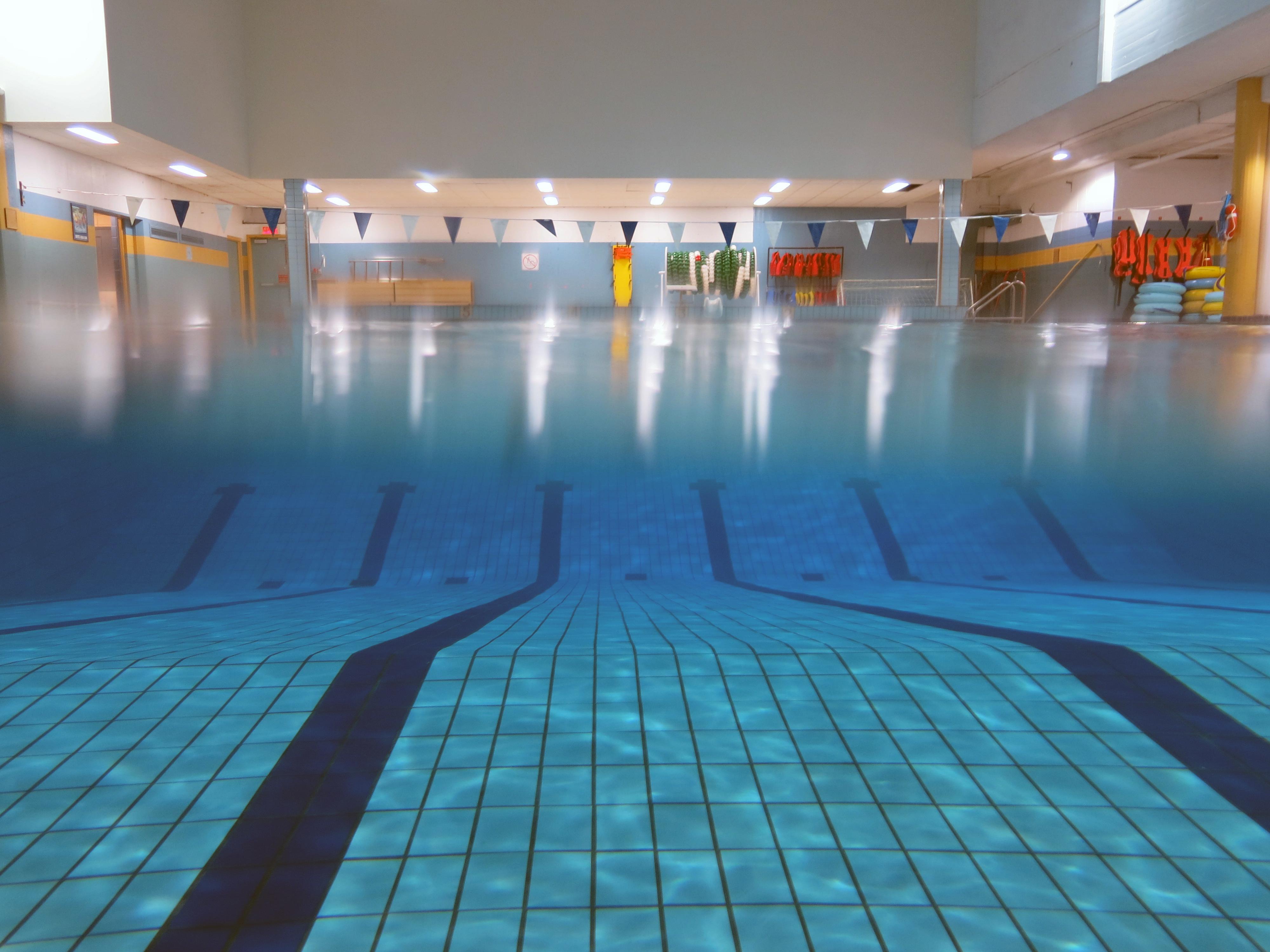 Cours de natation enfants anim eau c gep de chicoutimi for Piscine de molenbeek cours de natation